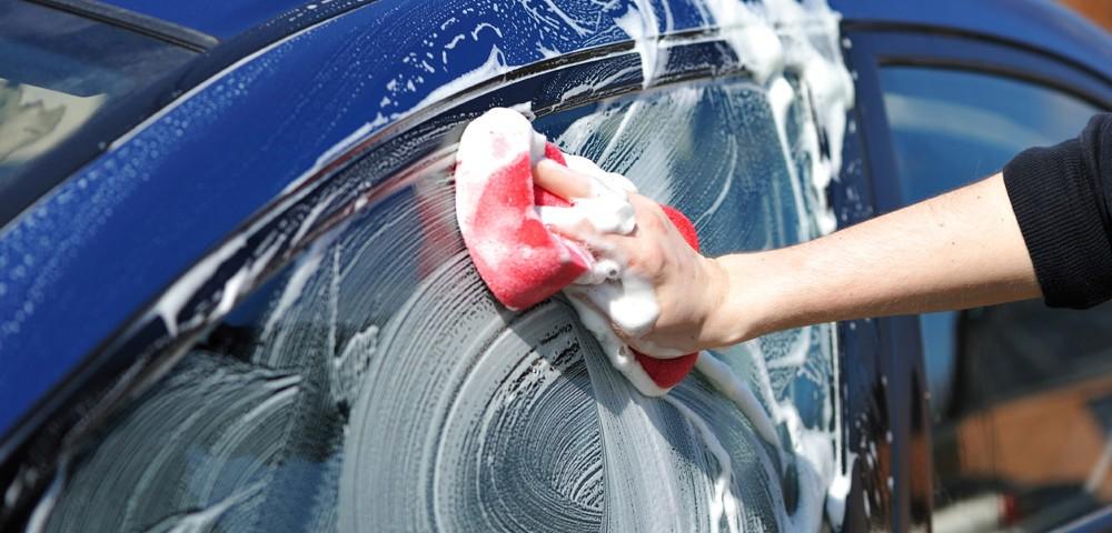 Limpieza manual de coches
