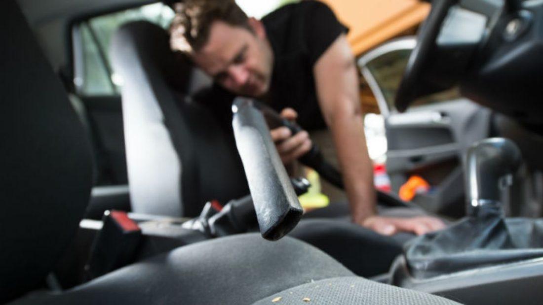 Limpiar la tapicería del coche en Valencia