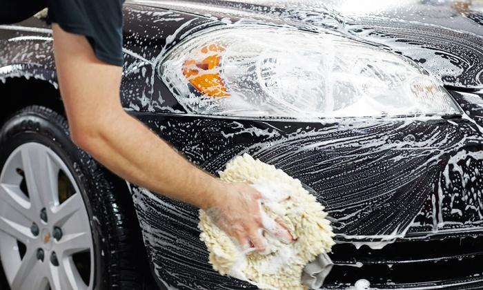 Limpieza manual de vehículos